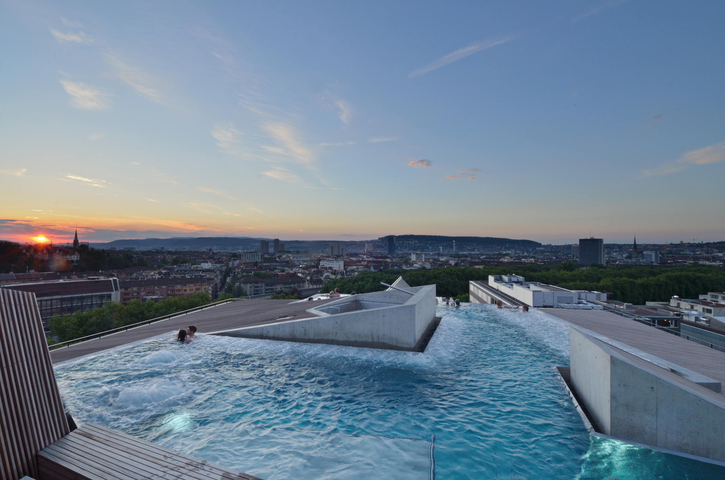 Thermalbad Spa Zurich Wellness Massage Rooftop Pool Hürlimann Areal